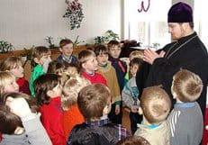 Церковь поддерживает идею устройства при школах молельных комнат