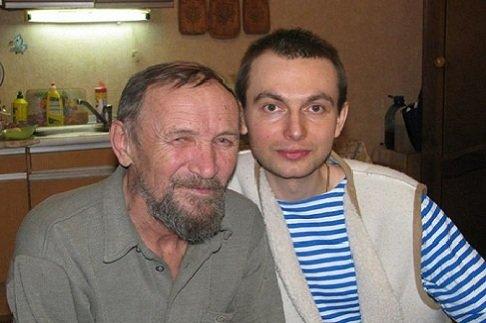 Преподавателю Московской Духовной Академии нужна помощь!