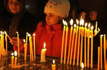 Если поставить свечу не туда, здоровый может умереть?