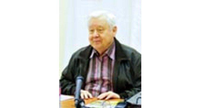 Олег Табаков прочитал детям железнодорожников