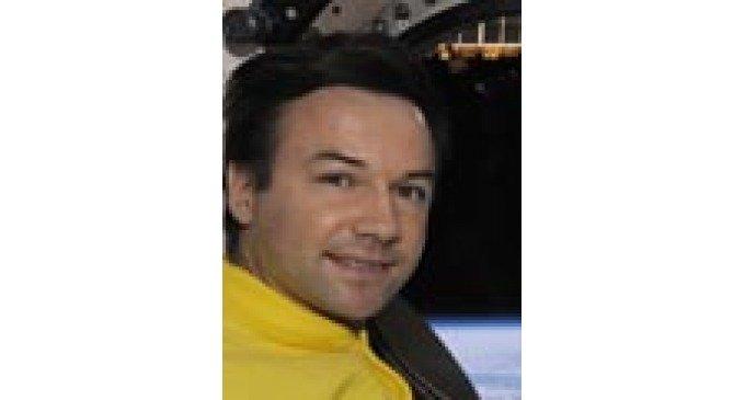 В апрельском номере журнала «Фома» опубликована выставка фоторабот командира отряда космонавтов Юрия Лончакова