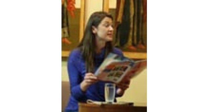 Телеведущая Мария Ситтель прочитала детям из многодетных семей сказку