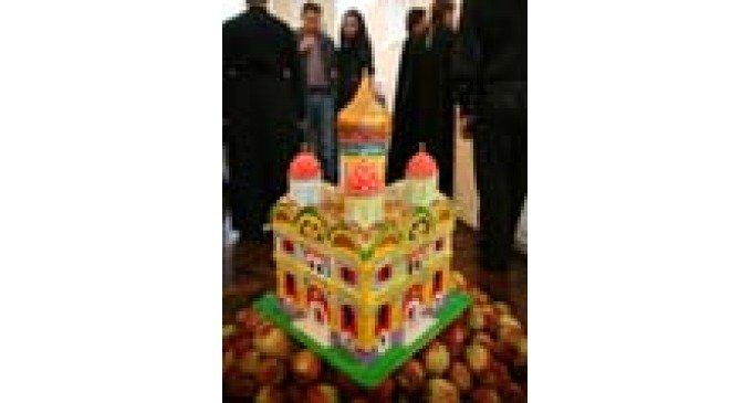 Выставка актуального искусства открылась в притворе московского храма